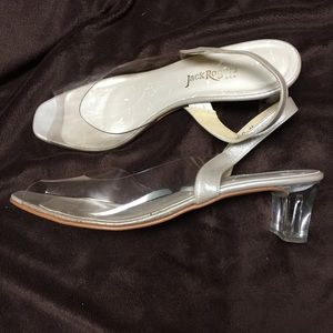 """Clear vintage pumps with 2"""" lucite heel!"""